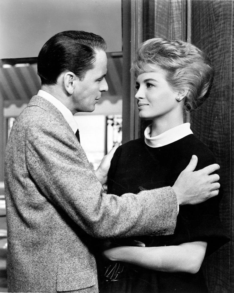 Angie Dickinson with Frnak Sinatra in the film 'Ocean's Eleven', 1960.