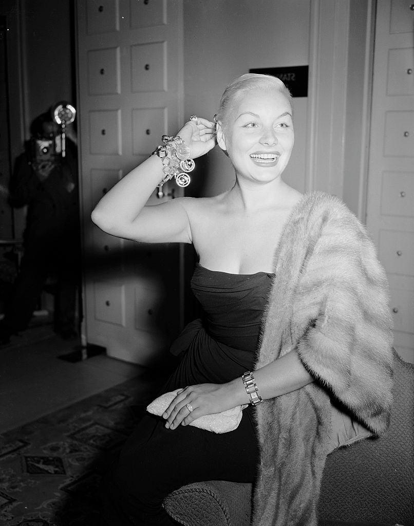 Barbara Payton in London, July 1952.