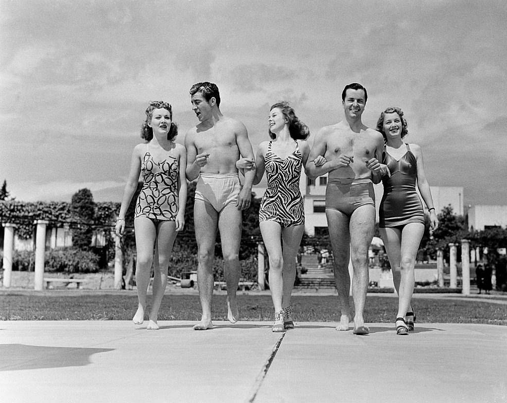 Betty Grable with Susan Hayward and his friends, 1940.