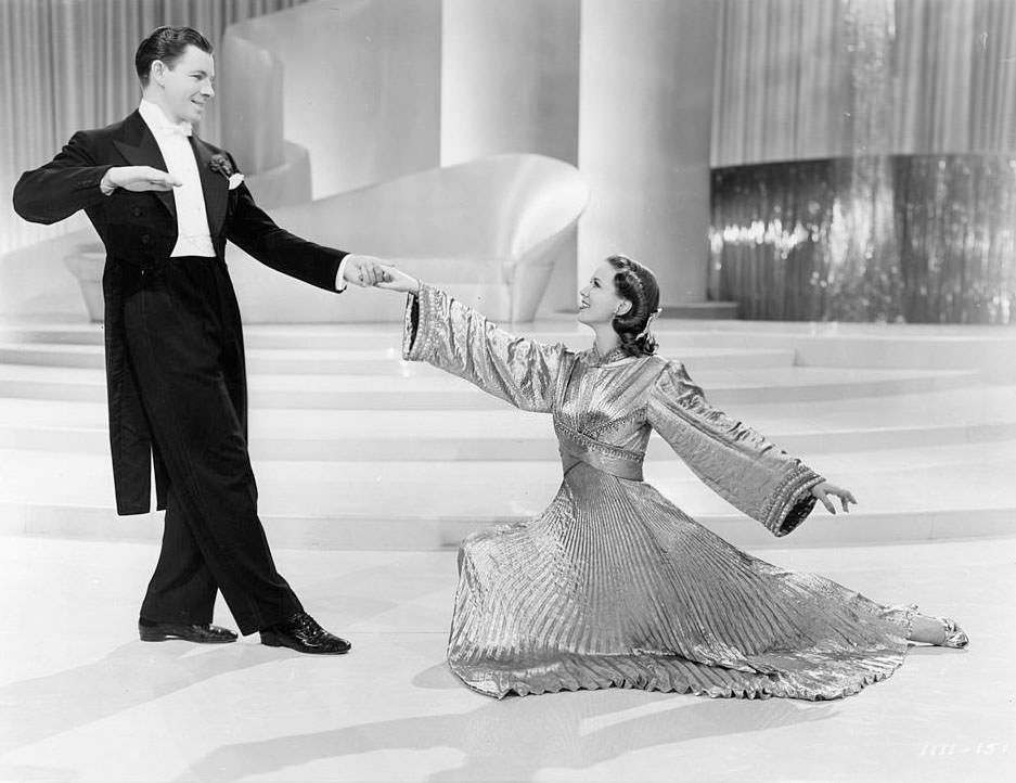 Eleanor Powell and George Murphy dance in a scene from the film 'Broadway Melody Of 1940', 1940.