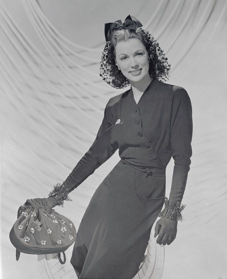 Eleanor Powell  in her home, 1943.