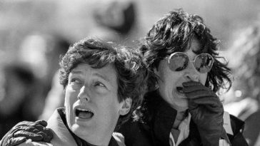 The Challenger disaster 1986: Historic Photos of the National tragedy that Unfolded on Live Television