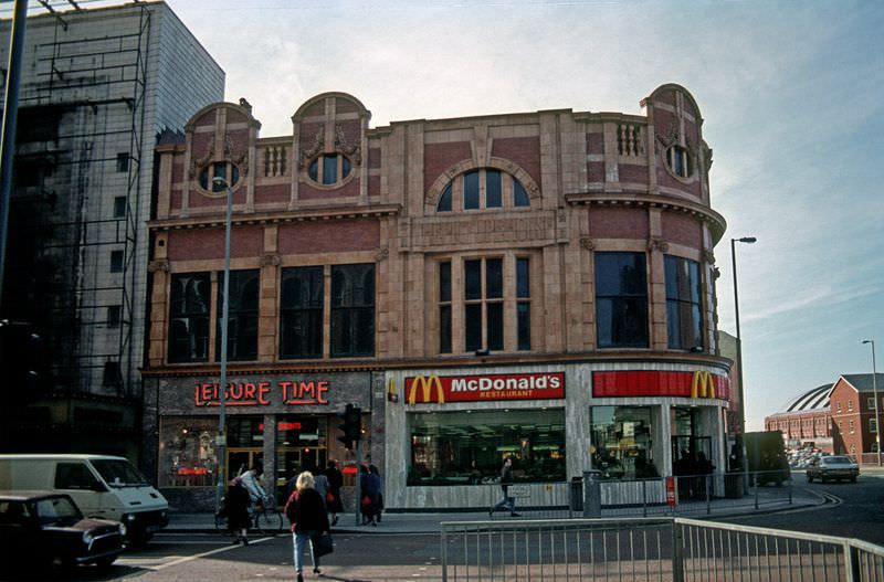 The former Picture House cinema on Oxford Street, 1987