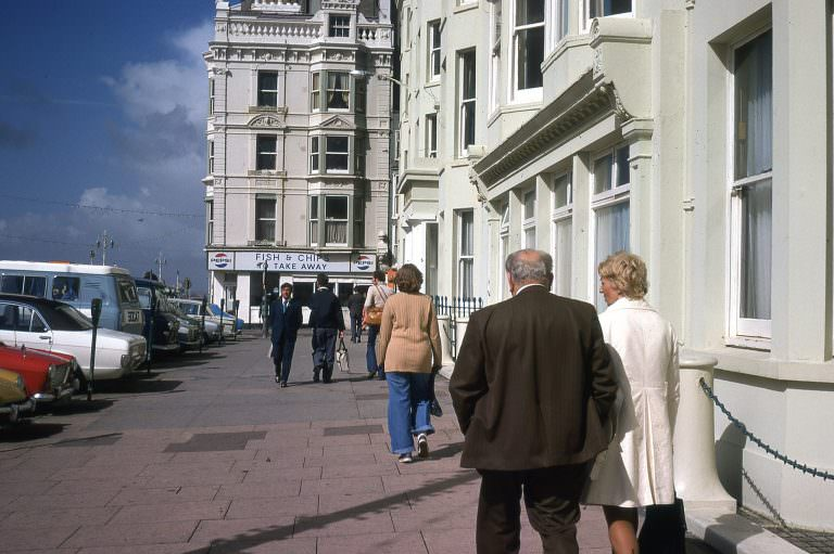 Seafront, Kings Road with the junction with Ship Street