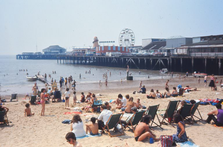 Palace Pier in 1976, photo by Yvonne Thompson