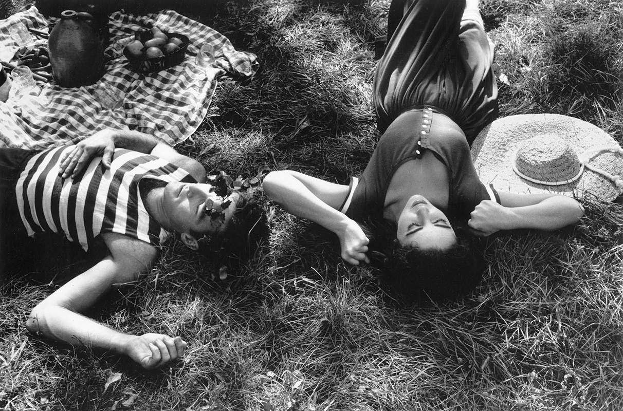"""Montgomery Clift and Elizabeth Taylor on the MGM set of """"Raintree County,"""" 1956"""