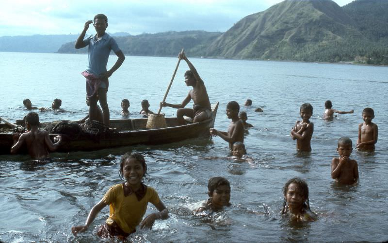 Local kids, Ende, Flores island, 1970s