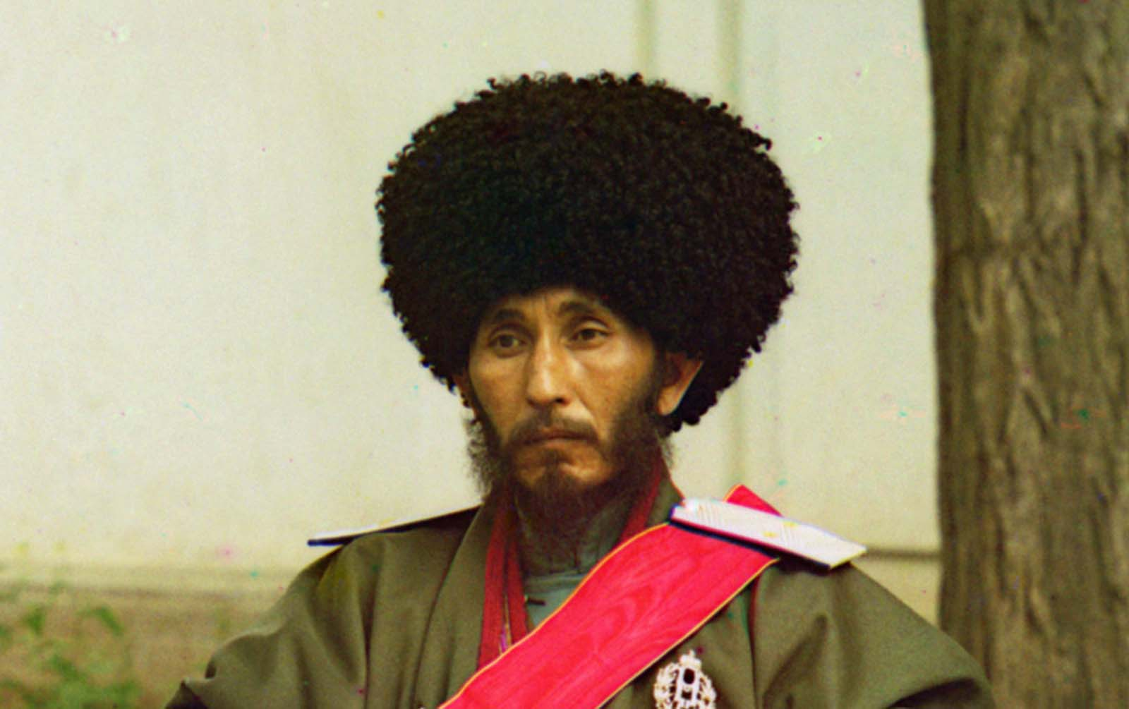 A closer detailed view of Isfandiyar, Khan of the Russian protectorate of Khorezm.