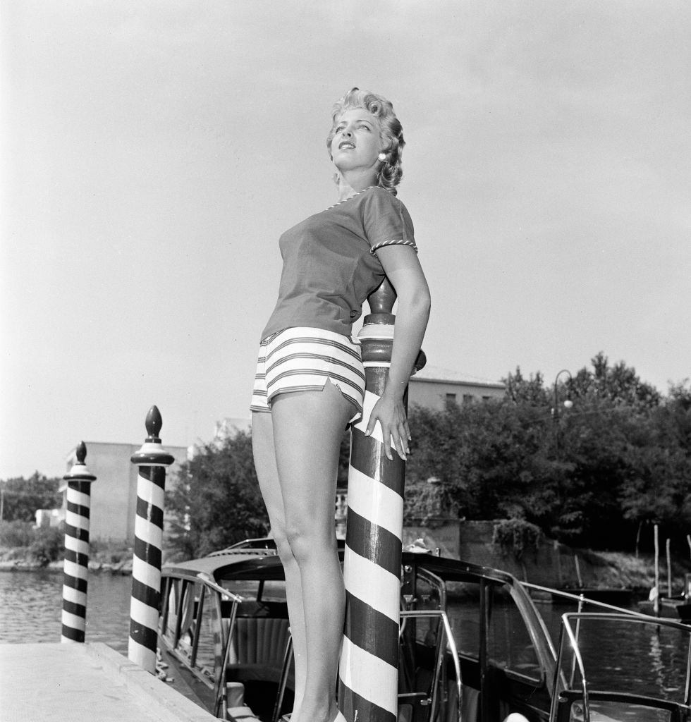 American actress and fashion model Anne Neyland.