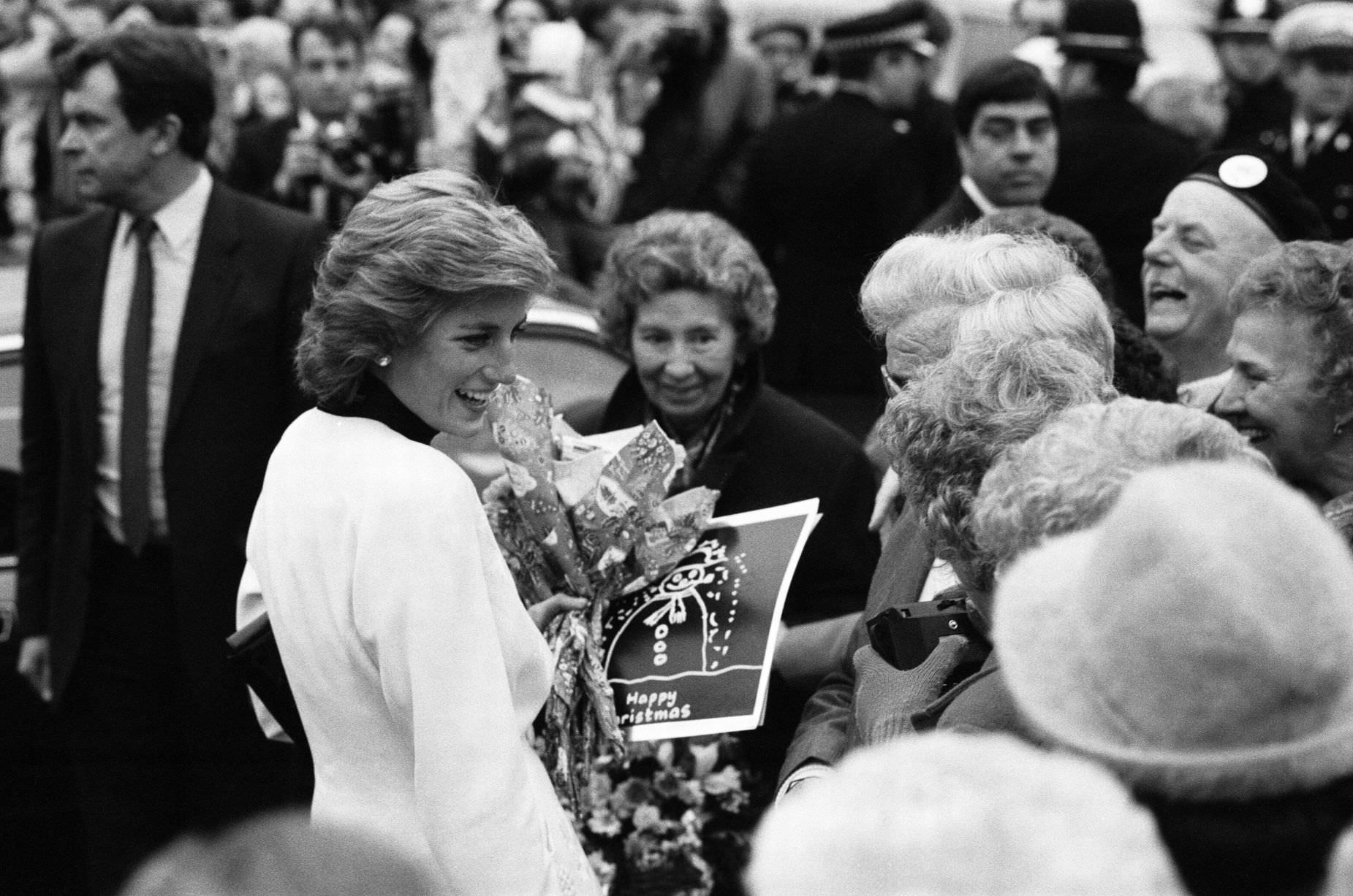 Princess Diana arrives to officially open Acorns Children's Hospice, 14th December 1988.
