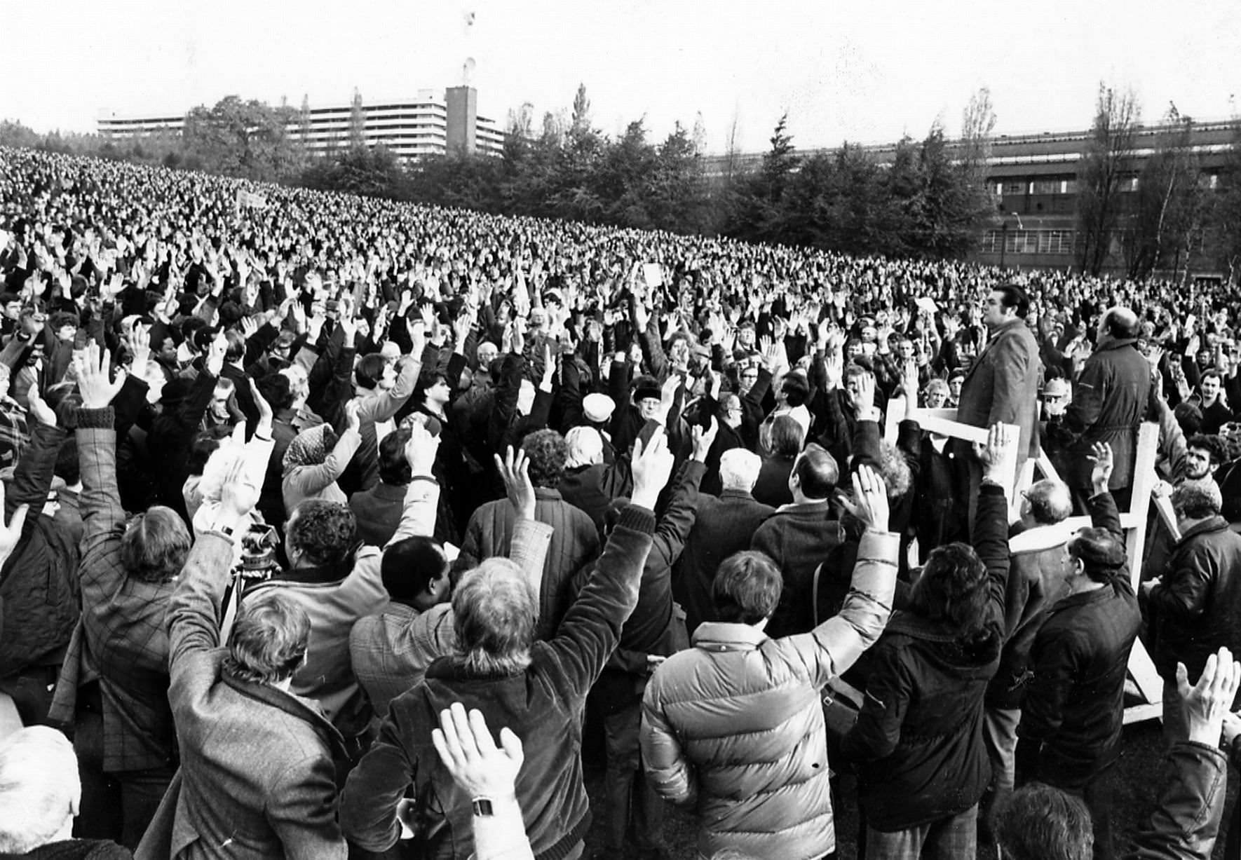 Rover workers take a ballot at Longbridge, 20th October, 1980.