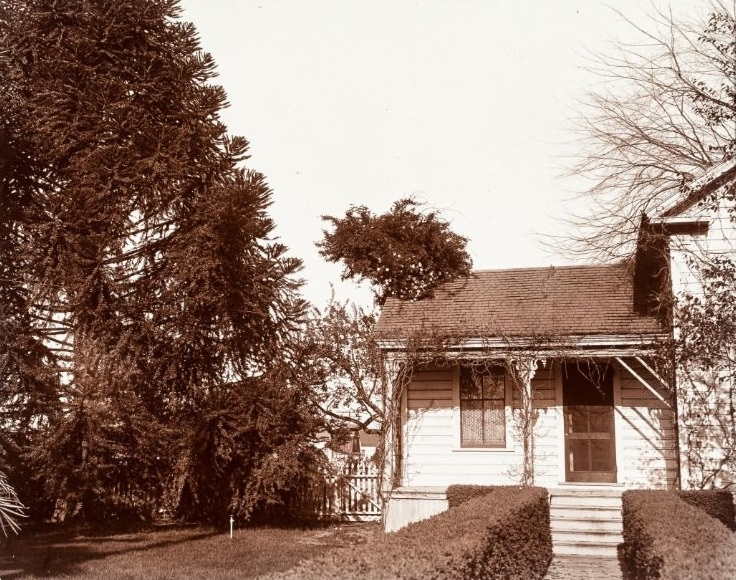Front porch of old house 1890