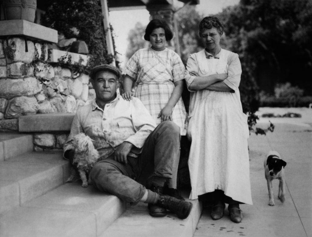 James Jeffries with his wife and niece Rebecca outside their home in Burbank, 1890s