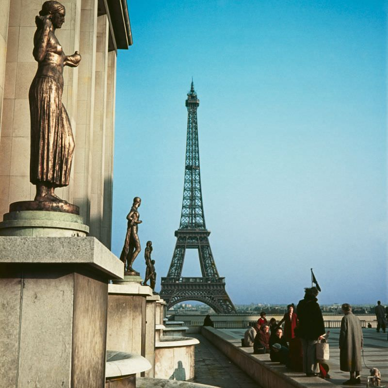 Eiffel Tower and the Golden Statues of Palais Chaillot, Paris, 1950s