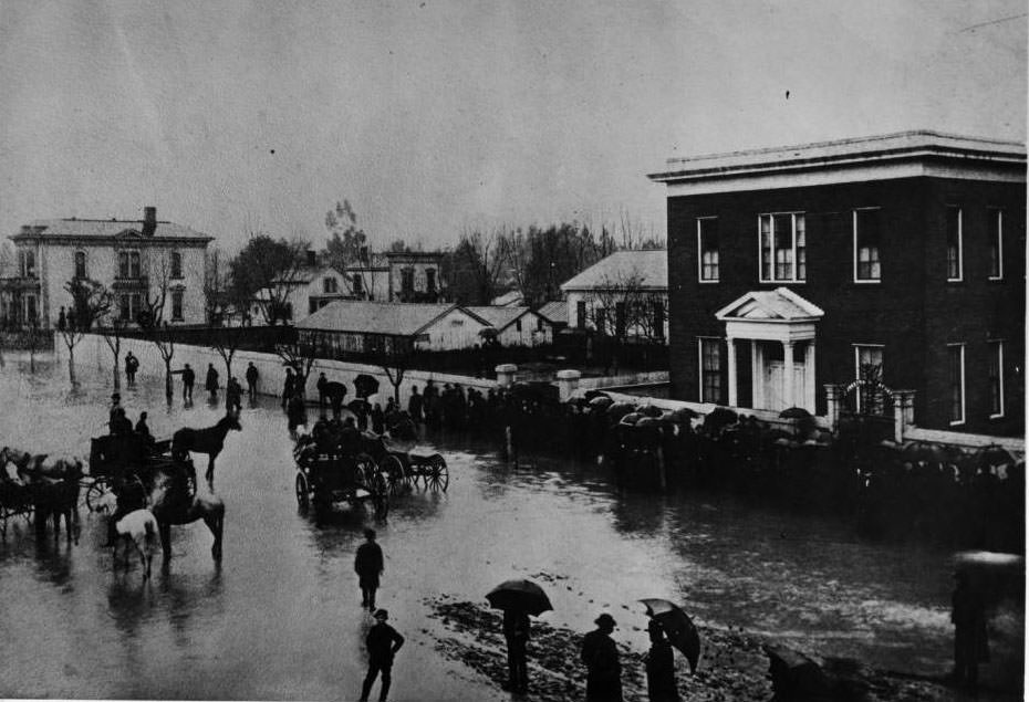 Guadalupe River flood near Notre Dame College, 1890.