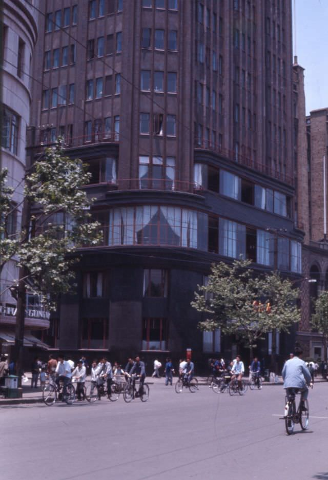 Shanghai International Hotel (formerly and once again known as the Park Hotel), 1970s