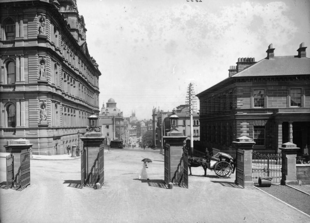 Bridge Street, from Government House gates