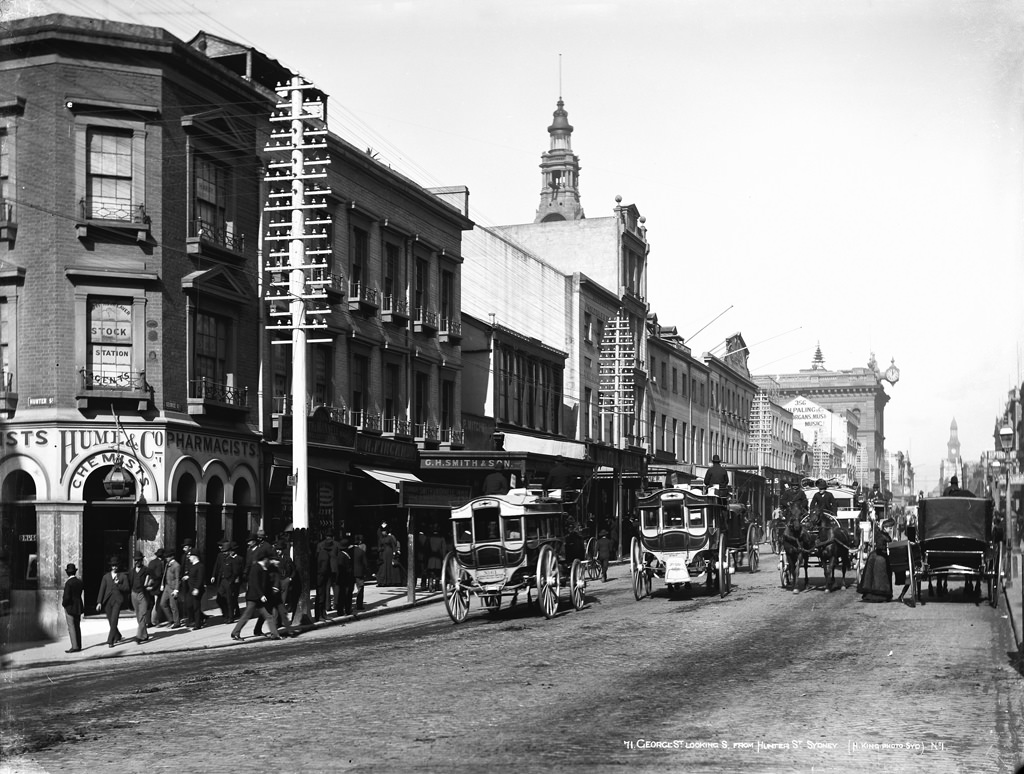 George Street, looking south from Hunter Street